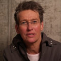 Dr. Inge Volk: das Gesicht hinter dem Theatertreffen deutschsprachiger Schauspielstudierender
