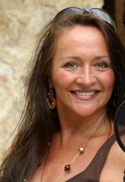 <b>Carmen Molinar</b><br />CarmenMolinar