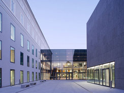 <b>Universität Mozarteum Salzburg</b>